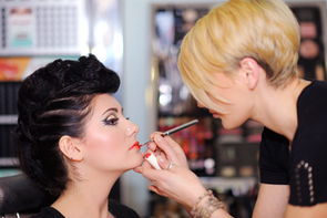 Learn the art of the experts for an exciting job in beauty