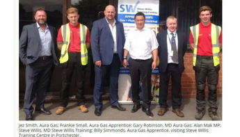 Alan Mak MP visits centre to discuss value of apprenticeships
